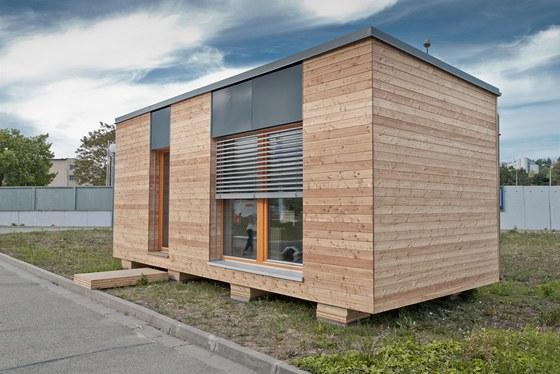 Mobilní pasivní domek má rozměry 7,5 × 3,5 metru a výšku 3 metry.
