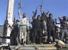 Bojovn�ci Syrsk� osvobozeneck� arm�dy se v provincii Aleppo raduj� na zni�en�m