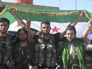 Bojovn�ci Syrsk� osvobozeneck� arm�dy v provincii Aleppo (20. �ervence 2012)