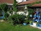 Paní Eva radí: vykliďte půdu a vynoste všechno haraburdí a keramiku.