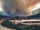 Požár v lesích u města La Jonquera na severovýchodě Španělska poblíž hranic s
