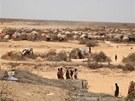 U hranic se Som�lskem na n�kolika m�stech vyrostly ob�� t�bory uprchl�k�.