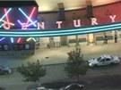 Z�b�r na kino v denversk�m p�edm�st� Aurora, kde �ty�iadvacetilet� mu� st��lel