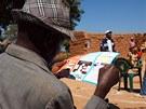 Jak Afri�any nau�it chodit na z�chod - pomoci m� i mal� bro�ura
