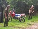 Fotopast zachytila motorkáře v Krkonoších v roce 2011