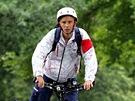 Redaktor MF DNES Tom� Pol��ek, kter� jede na elektrokole do olympijsk�ho