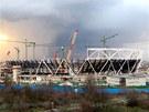 Jádro stadionu tvoří masivní betonový monolit, střechu tvoří lehká příhradová