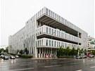 Amazon Court: Podobu administrativn� budovy z roku 2009 v Karolinsk� ulici v