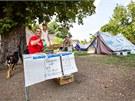 Aktivist� z hnut� Occupy po�aduj� okam�itou demisi vl�dy a zastaven� vl�dn�ch