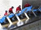 Při testech přenosných hrází na řece Bečvě byl k vidění také systém, který má k