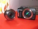 Canon EOS M s objektivem EF-M 22mm f/2 STM