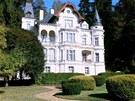 Rezidenční vila - hotel v Karlových Varech se prodává za 250 milionů. Postavil