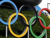 Olympijské kruhy jsou v londýn� v�udyp�ítomné.