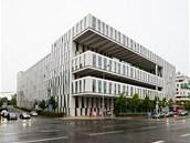 Amazon Court: Podobu administrativní budovy z roku 2009 v Karolinské ulici v