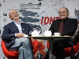 Michal Horáček (vlevo) a Michael Kocáb u Barbory Tachecí