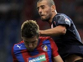 Plze�sk� z�lo�n�k Martin Fillo v utk�n� Evropsk� ligy proti Rustavi.