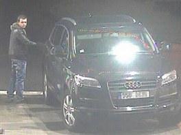 Řidič audi, který tankuje bez placení na benzínkách u ostravské D1.