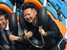 Severokorejský vůdce Kim Čong-un v zábavním parku v Pchjongjangu (27. července