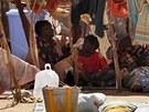 Uprchl�ci v Bamaku, kter� z jejich domov� vyhnaly boje na severu Mali