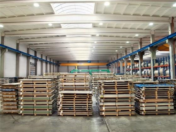 Firma ALFUN vl�dne hlin�ku, oceli i m�di