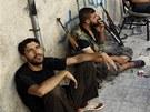 Bojovn�ci Syrsk� osvobozeneck� arm�dy v Aleppu (1. srpna 2012)