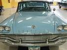Výstava amerických aut na �erné louce v Ostrav�: Chrysler Windsor 1957,...