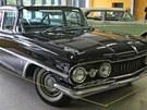 Výstava amerických aut na �erné louce v Ostrav�: Oldsmobile Super 88 (1959),...