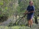 Sobotn� odpoledn� bou�e s krupobit�m vpodstat� zlikvidovala �rodu v sadech a na