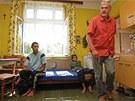 Úředníci kontrolují domy v romském ghettu na Přednádraží v Ostravě-Přívozu. (6.