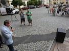 Demonstrace ve Varnsdorfu svolan� Luk�em Kohoutem. Z��astnil se i sen�tor Ji��