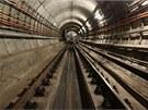 Její tunelový uzávěr se nachází asi 300 metrů za stanicí.