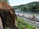 Sk�la u Vran�ho nad Vltavou je nebezpe�n� pro auta i cyklisty jedouc� po...