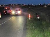 Opilý německý motorkář skončil v příkopu ve Vysoké nad Labem (2. 8. 2012)