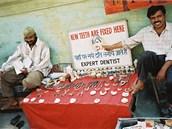 Indičtí zubaři ve městě Jammu.