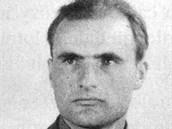 Poručík polské armády Franciszek Burek, který se svou stíhačkou JAK-23