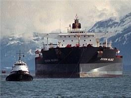 Tanker Exxon Valdez na archivn�m sn�mku