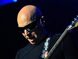 Joe Satriani vystoupil 31. 7. 2012 v Praze na koncertě 3G