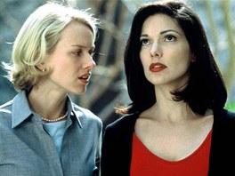 Z filmu Mulholland Drive (Naomi Watts, Laura Harring)