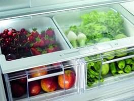 Zásuvky na zeleninu mají systém regulace vlhkosti.