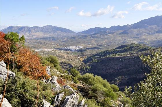 Sierra de las Nieves. Pohled z vyhlídky Guarda Forestal na El Burgo