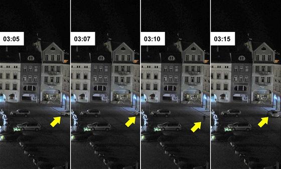 Krádež ve zlatnictví na Krakonošově náměstí v Trutnově, jak ji zachytila webová