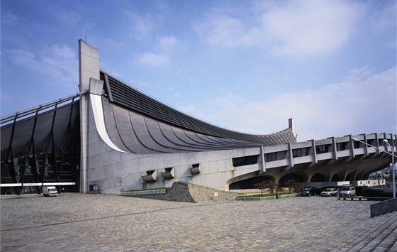 Kenzo Tange navrhl geniální zastřešení: na šířku 120  a délku 125 m není žádný