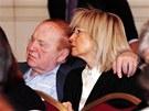 Sheldon Adelson se svoj� druhou �enou Miriam, kter� se v�nuje p��i o drogov�