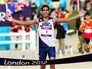 David Svoboda právě probíhá cílem a ví, že se stal olympijským vítězem