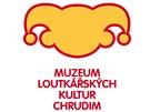 Návrh nového loga Muzea loutkářských kultur v Chrudimi, který skončil pod