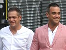 Robbie Williams se svm dvojnkem