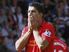 MIZERNÝ ZÁPAS. Luis Suarez z Liverpoolu se díví zahozené šanci. Ovšem jeho tým