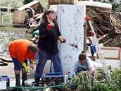 V srpnu 2010 se Reinhardtovi potýkali s následky povodní, které He�manice tém��