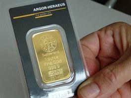 Investiční zlato, jednouncový slitek Argor Heraeus.