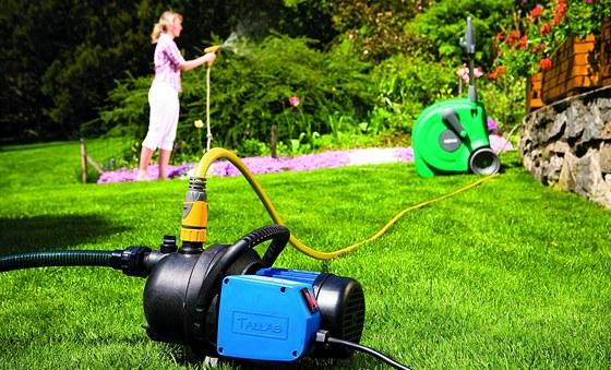 Nejběžnější zahradní kombinace: povrchové čerpadlo určené k závlaze